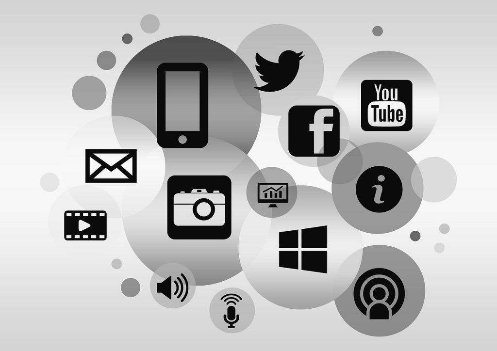 como buscar datos de personas gratis formas maneras busqueda sitios web tablet redes sociales facebook twitter