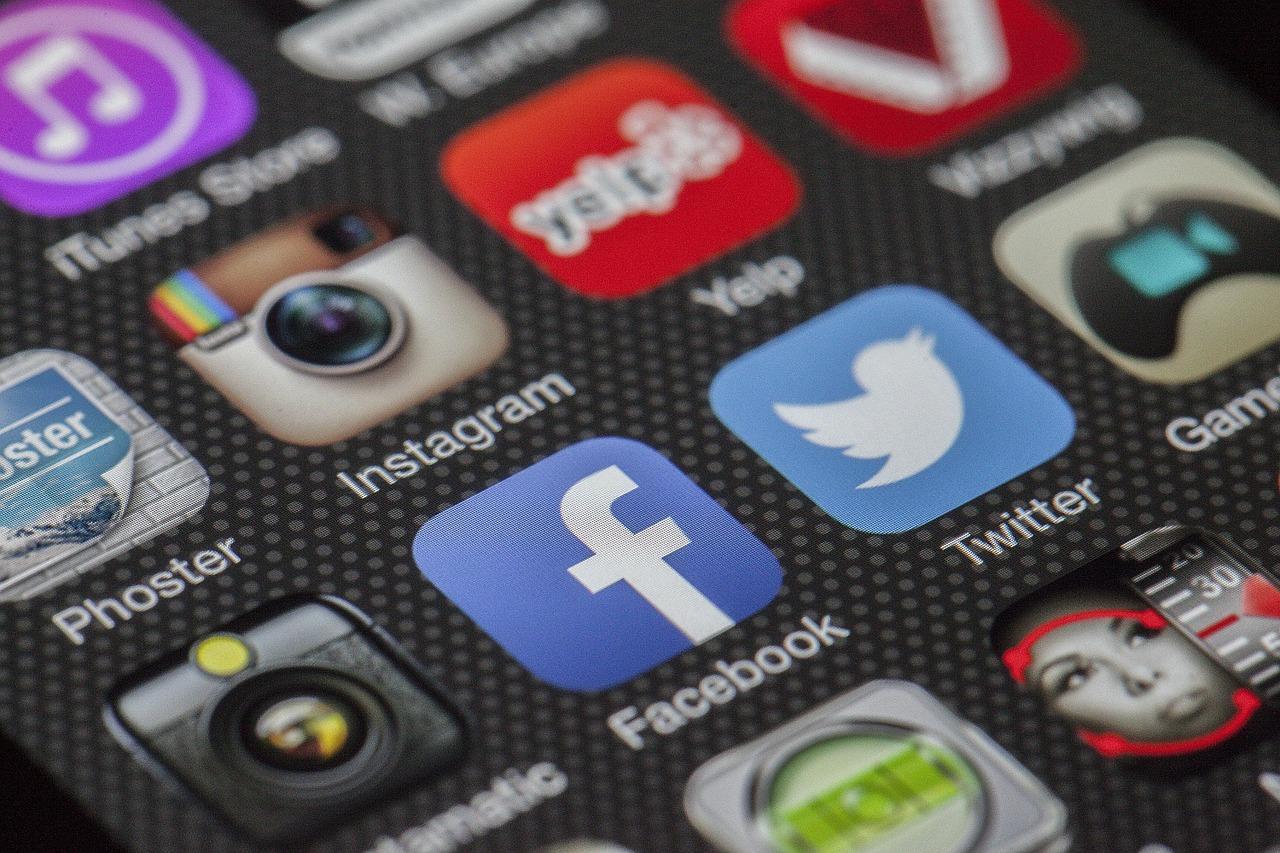 como buscar personas por internet web español españa encontrar buscar internet redes sociales red 2017